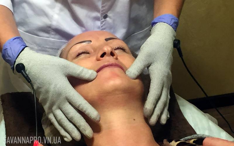 Микротоковый массаж лица